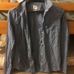 GAP fitted boyfriend style button up